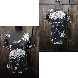 Floral V-neck tee